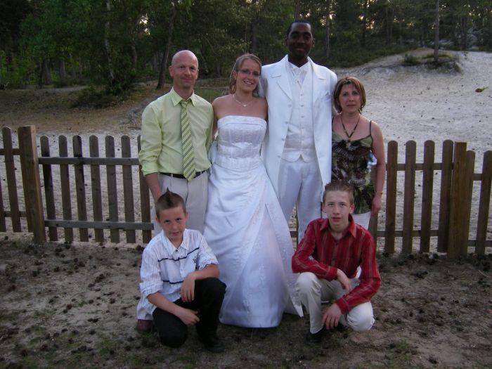 ma tite famille avec les mariés