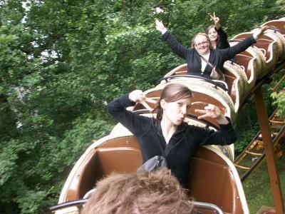 photo du 2juin au parc asterix  ont sais trop bien amuser