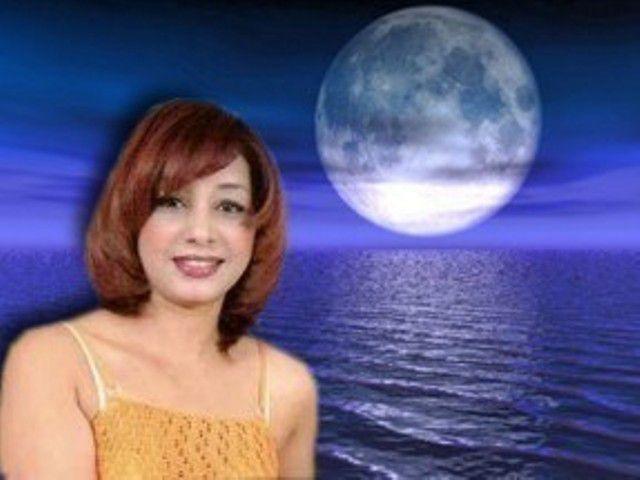 Samia et la lune
