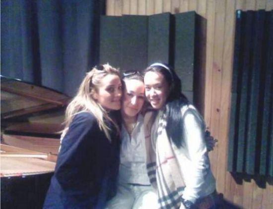 Lea Castel, Kenza Farah Melissa M représente le 13 !! ^^