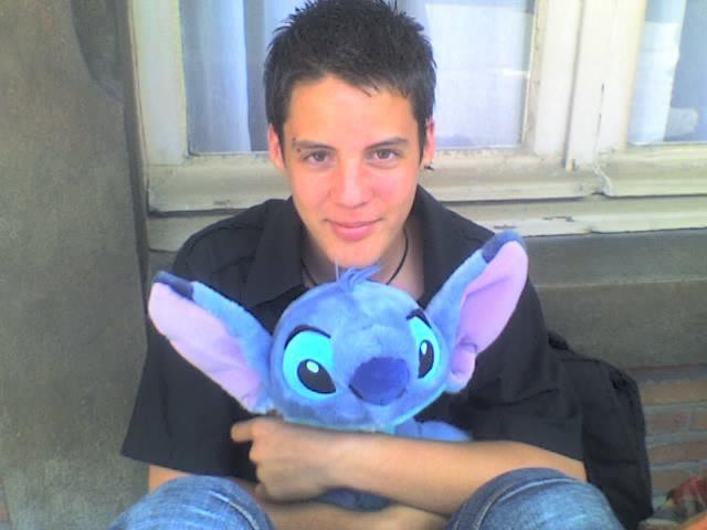 Bon d'accord J'avais 15ans Breff mais Stitch j' l'aimeuh lol