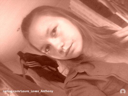 Miis Laura x33.