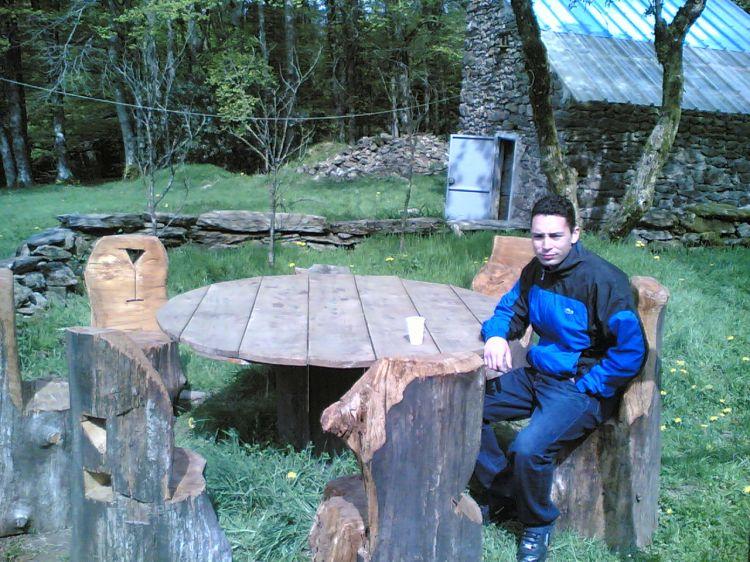 2007: DE BON MATIN, LA TABLE DU MOYEN AGE