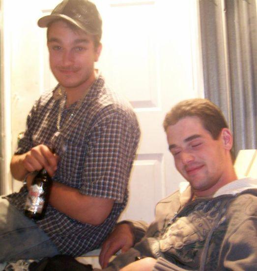 Moi et mon meilleur pot Sam à la fête a mon cousin