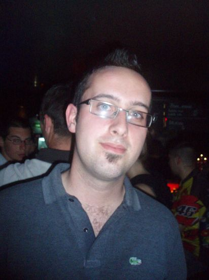 Me avec les lunettes au max a ship ^^