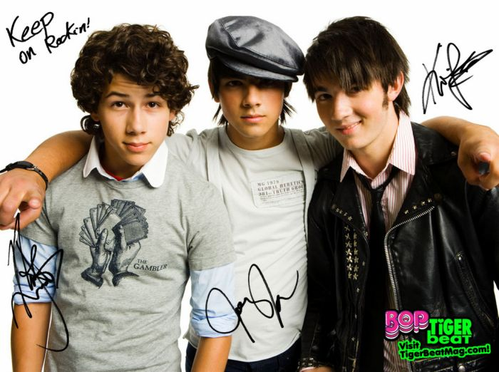 Jonas Brothers: Nick, Joe et kevin ! ;)