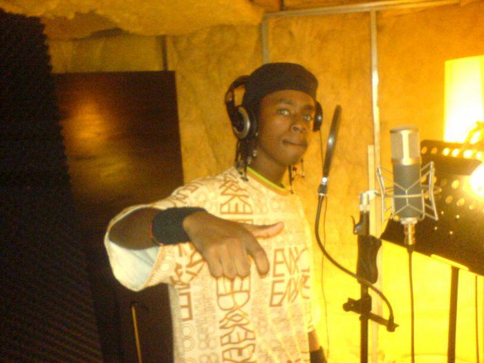 # Au Studio pour le feat ac BS Adebisi