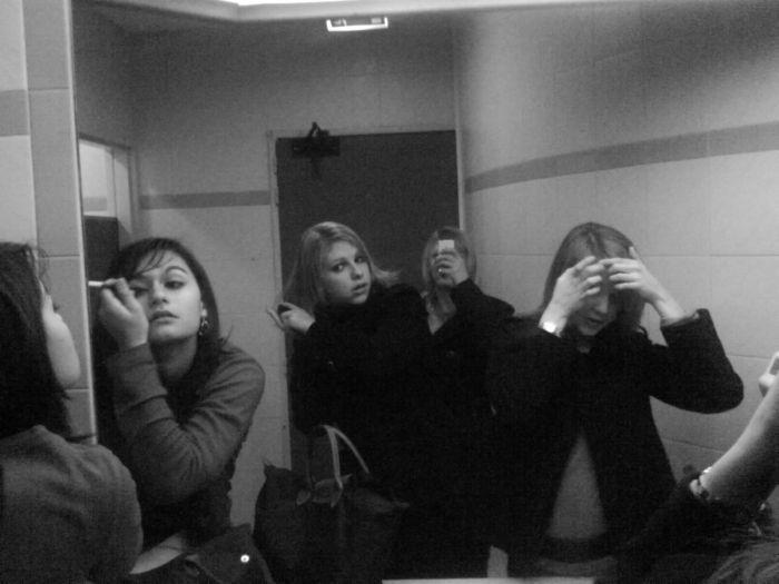 MELiA, SARAH, DEBBY, LAURA (L) .