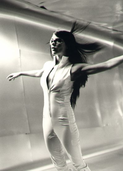 Victoria Beckham - HOLLER Music Video - 2000