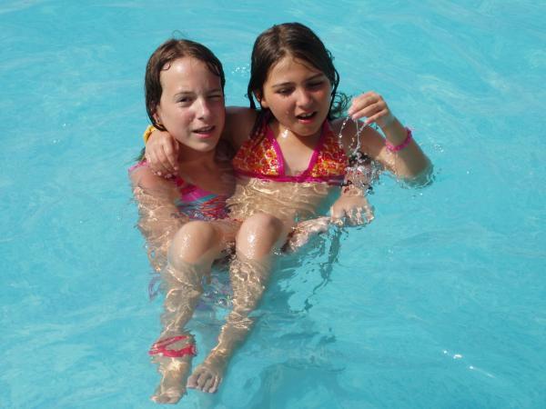 Ma soeur Léa et moi.