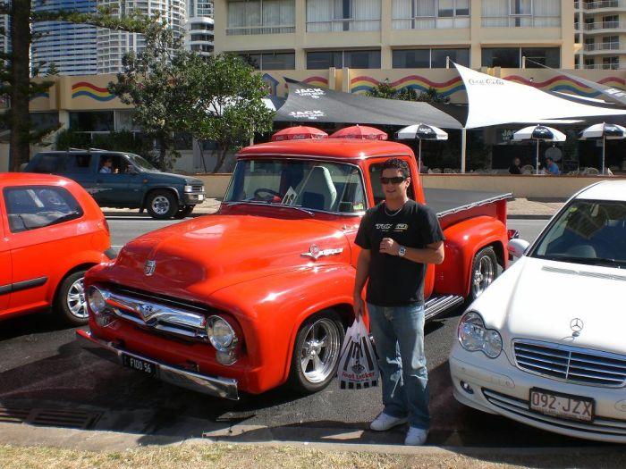 Avec un petit Ford F 150 mais un bon vieux model ...je kiff