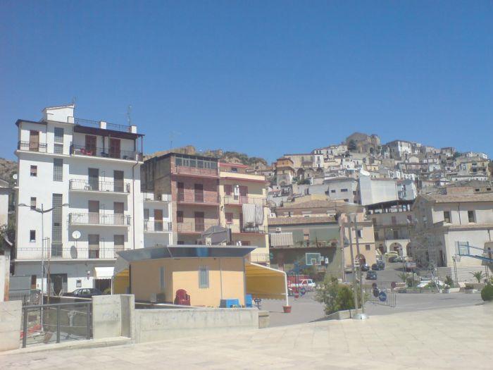 Je suis originaire du Sud de l'Italie comme vous pouvez voir