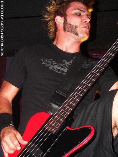Derek, le bassiste =D
