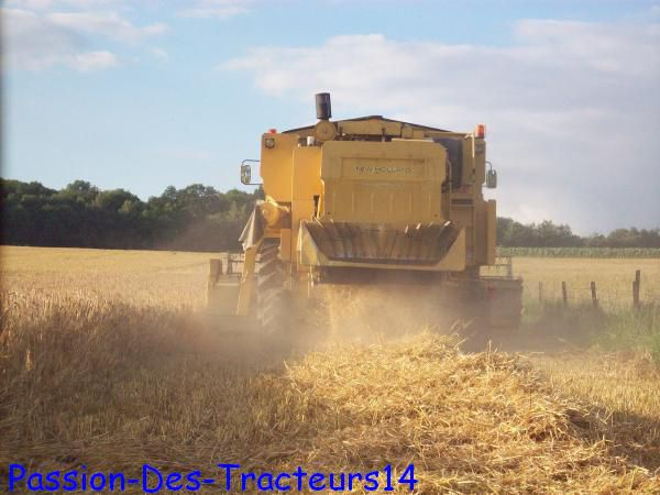 La  New Holland  tx 36 de derriere