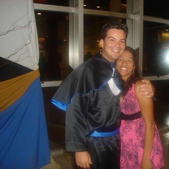 Eu e meu amigo(Fê),em sua colação de grau!ô homem sem futuro