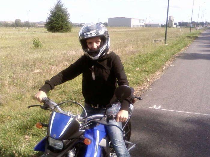 moi sur la moto de mon coeur