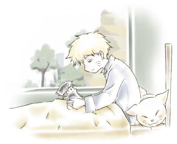 Naruto avec la peluche sasuke
