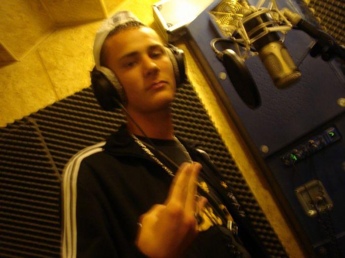 "Au Studio "" Alienik Groove Factory """