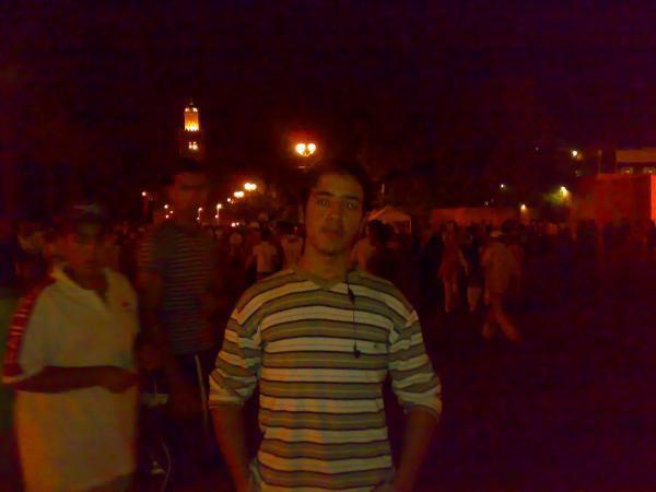 la place  de  jamaa  lafna   a  marrakech 2008