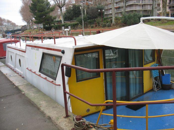 Le bateau Doc Ness terrasse extérieure