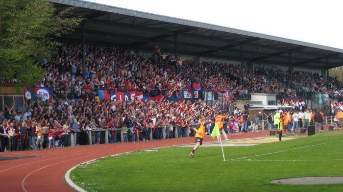Nos supporters (à gauche) et ceux de Verviers (à droite)