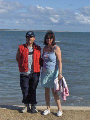 mon homme et moi à saint jard sur mer 2008