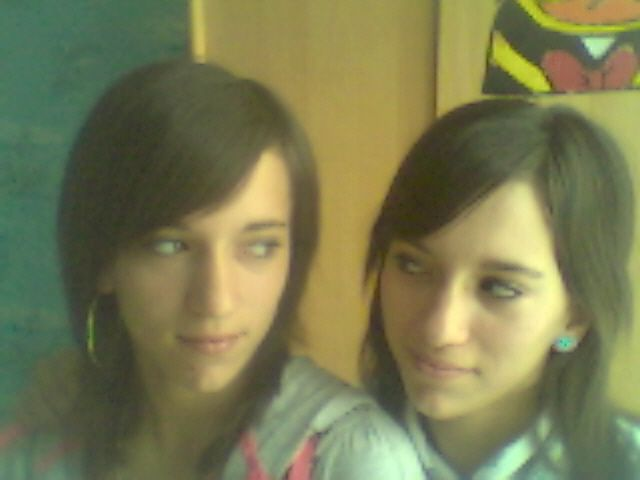 Moi & ma Soeur Jumelle =)