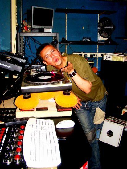 MIMI LE DJ principal du NEWWORLD