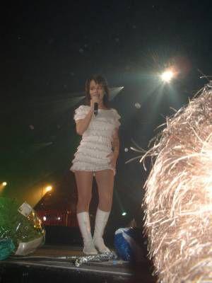 Alizée à son concert à Paris en 2003
