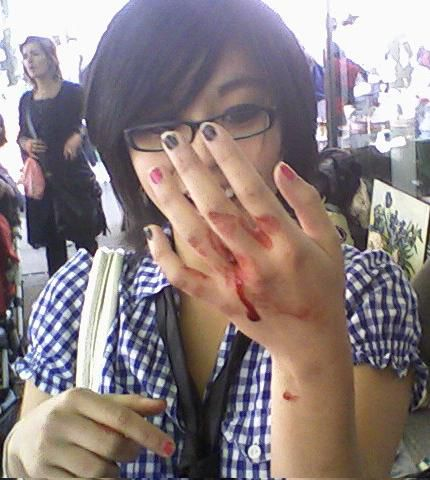 Blood... Oh ! Delicious Bloody Hand ...