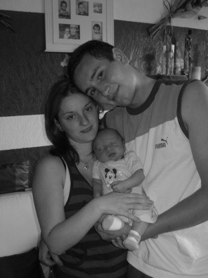Notre Famille < Lucie + Marvin = Melvin >