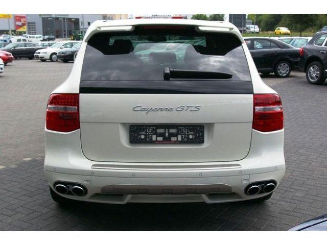 ma voiture!!!!!           porche cayenne GTS BLANC