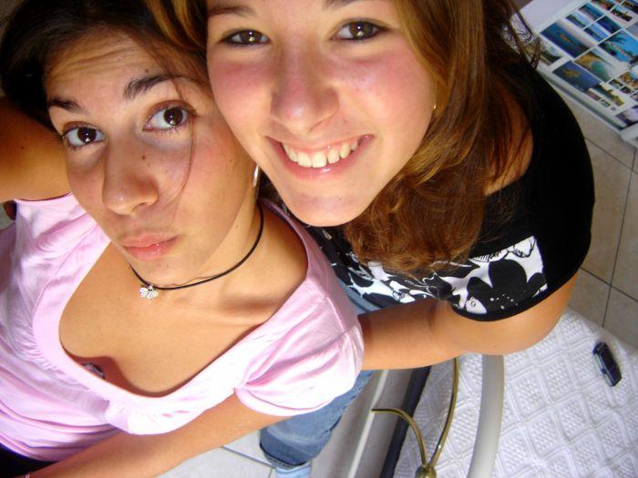 Ma petite soeur de coeur a droite et une amie