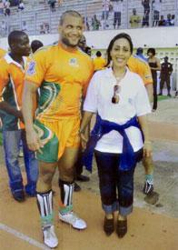 ma presidente de mon club avec le cptaine de rugby ^c d'ivoi