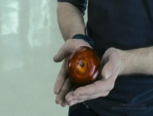 -Edward et la pomme mythique de Twilight ou Fascination-