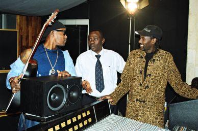 Avec Mopao Koffi Olomidé, au studio de Youssou Ndour