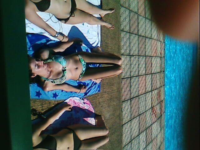 Vamos a la piscina !