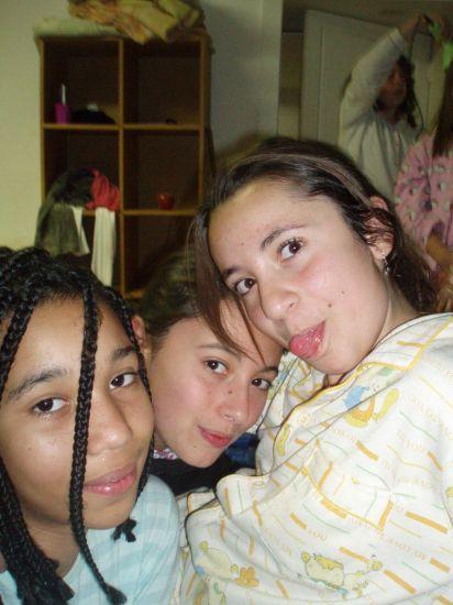 Esmeralda , Tamara et leatitia , mes sheewiie ke j'aime !