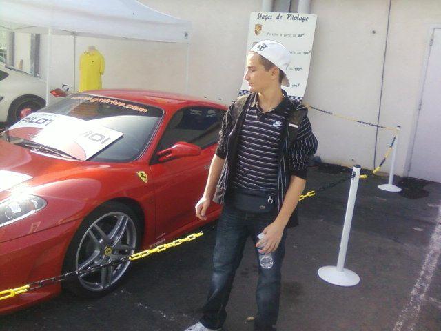Avec une Ferrari