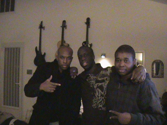 Je suis avec Youssoupha, et mon neveu L.jr C'est ca!