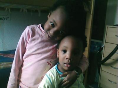 oumou et boly mes deux petit soeur!!!!!
