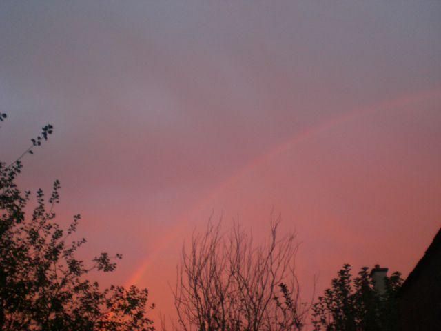 Ce ciel dont l'arc m'avait envoyé si profondément la flèche.