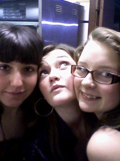 Elisa, Alison & moi le 31 ! J'vous aime <3