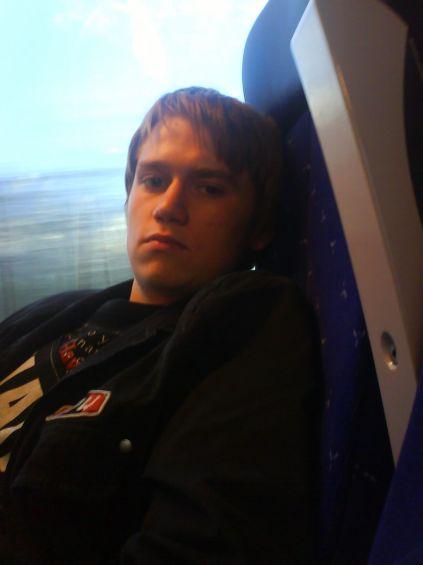 Posé dans le train-train du quotidien.