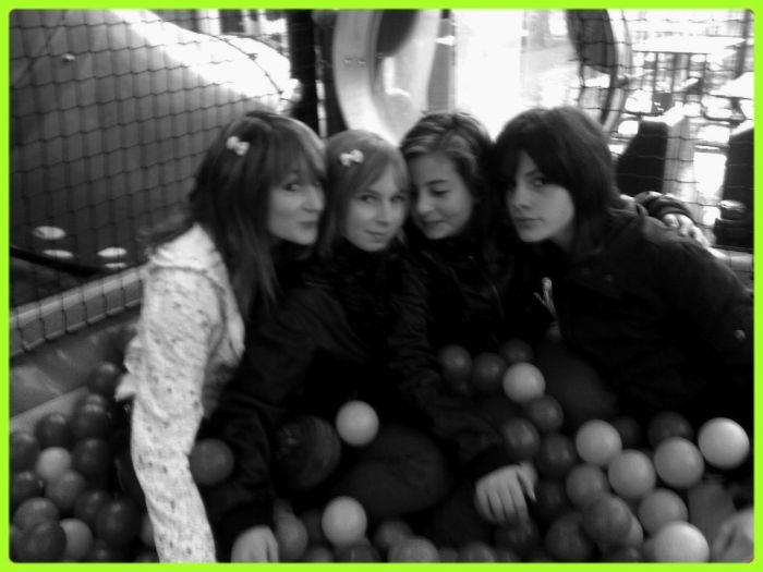 Moii ,, Maite ,, Tressy & M.A