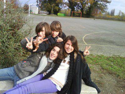 Mylène, Laura, Célia, Marine et je les adores!!!