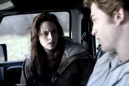 Edward et Bella dans la voiture