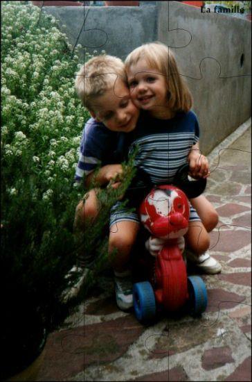mes amis d'enfance ( ma soeur et mn frère de coeur)
