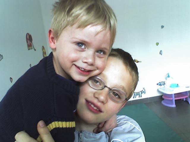 voici nos 2 adorables garçons