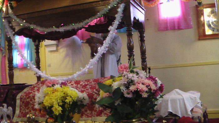 Shri Guru Granth Sahib Ji Maharaj Bondi Gurughar France